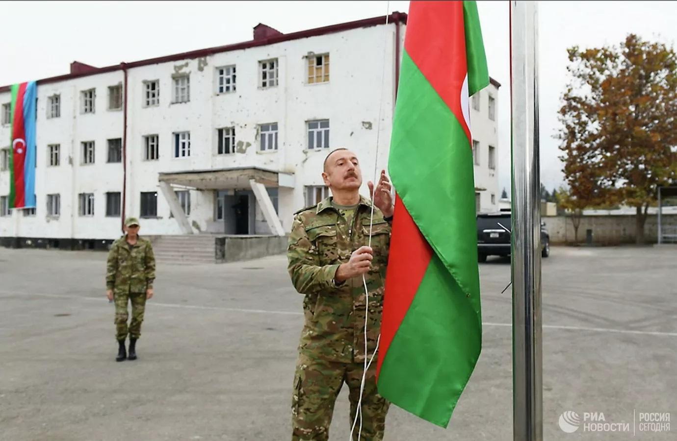 Алиев исключил возможность какого-либо статуса Карабаха