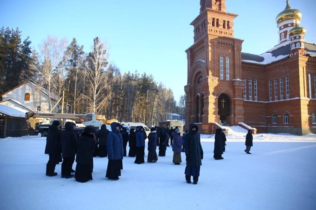 СМИ: Силовики искали в монастыре Сергия убийцу