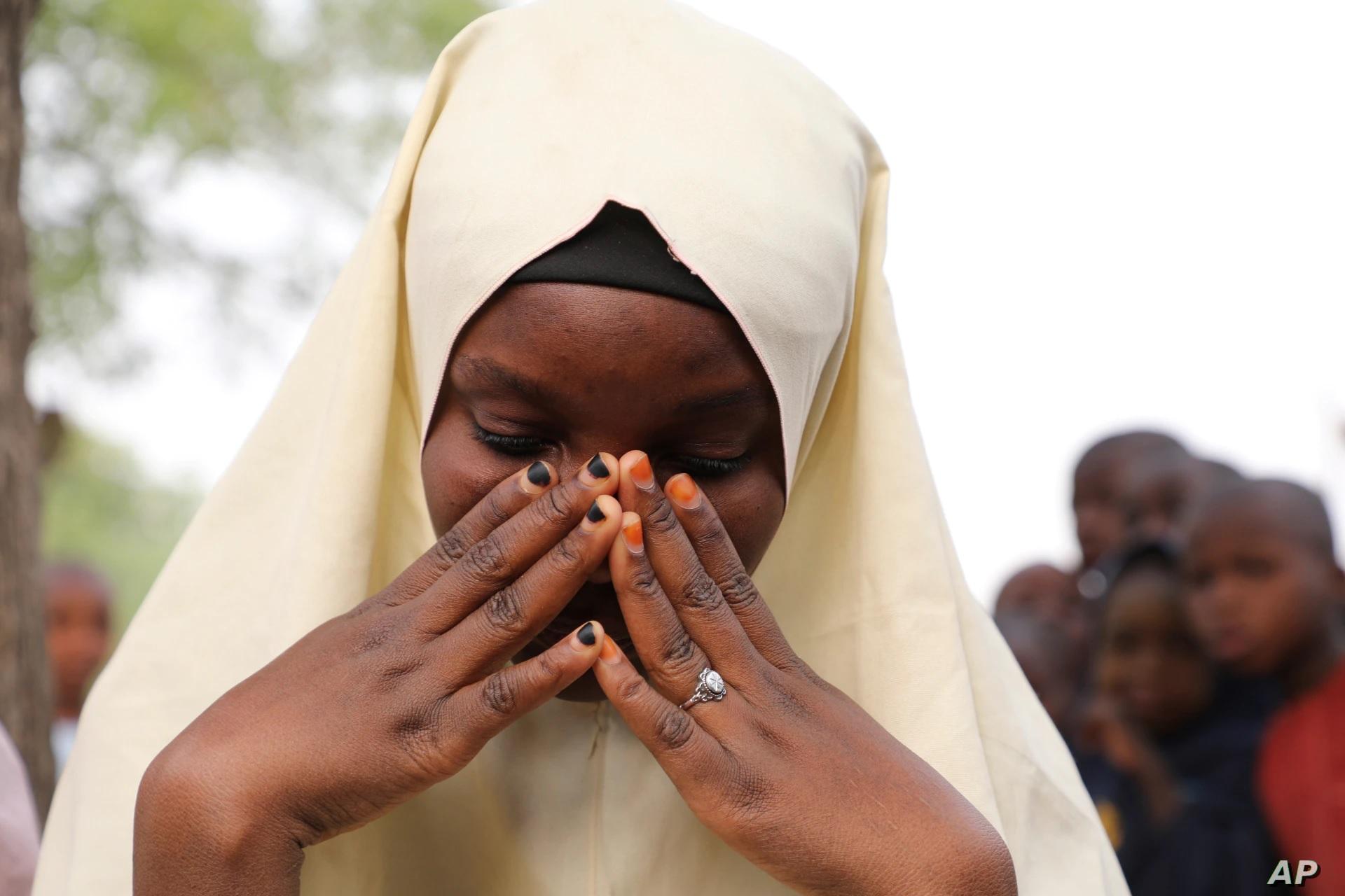 В Нигерии освобождены 17 школьников - а 300 девочек ищут