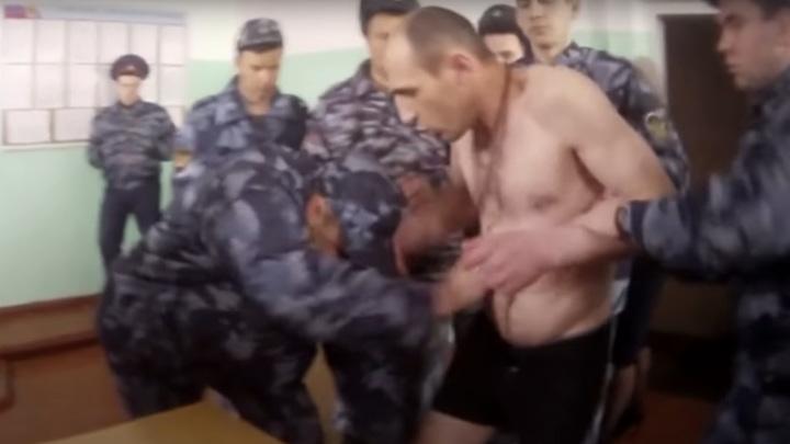 Зверские пытки и оскорбление Корана в российской колонии