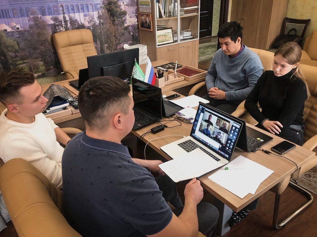 Молодежь РПЦ и ДСМР обсудила помощь мигрантам