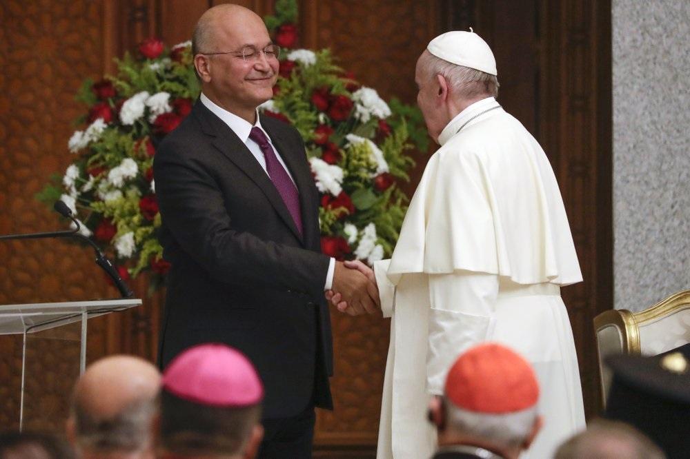Президент Ирака приветствует Папу и призывает к миру