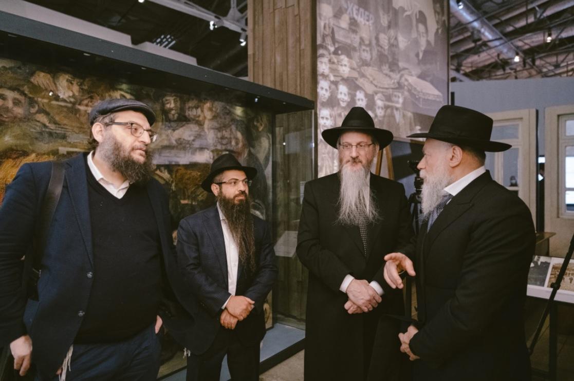 Еврейский музей в Москве открыл инсталляцию о хасидизме