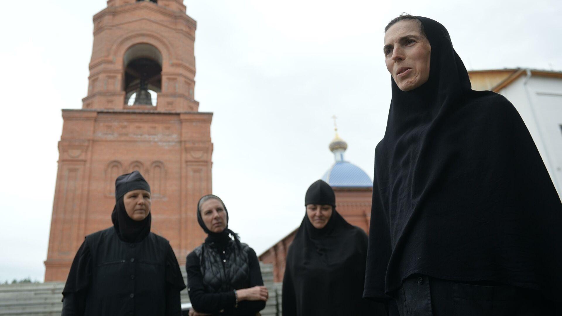Непослушницы | 20 человек задержали в Среднеуральском монастыре