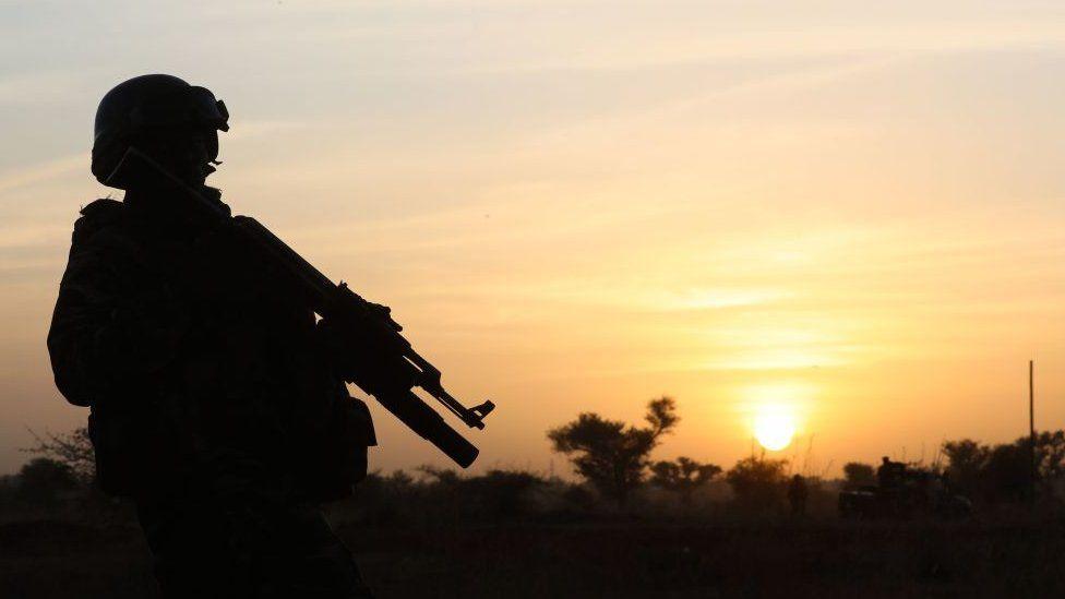В Нигере при атаке боевиков в районе Тахуа погиб 141 человек