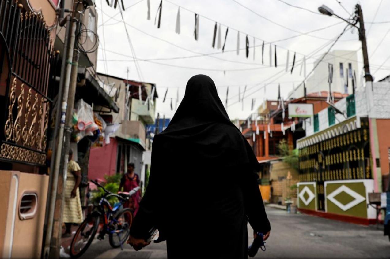 Шри-Ланка запретит паранджу и закроет многие исламские школы