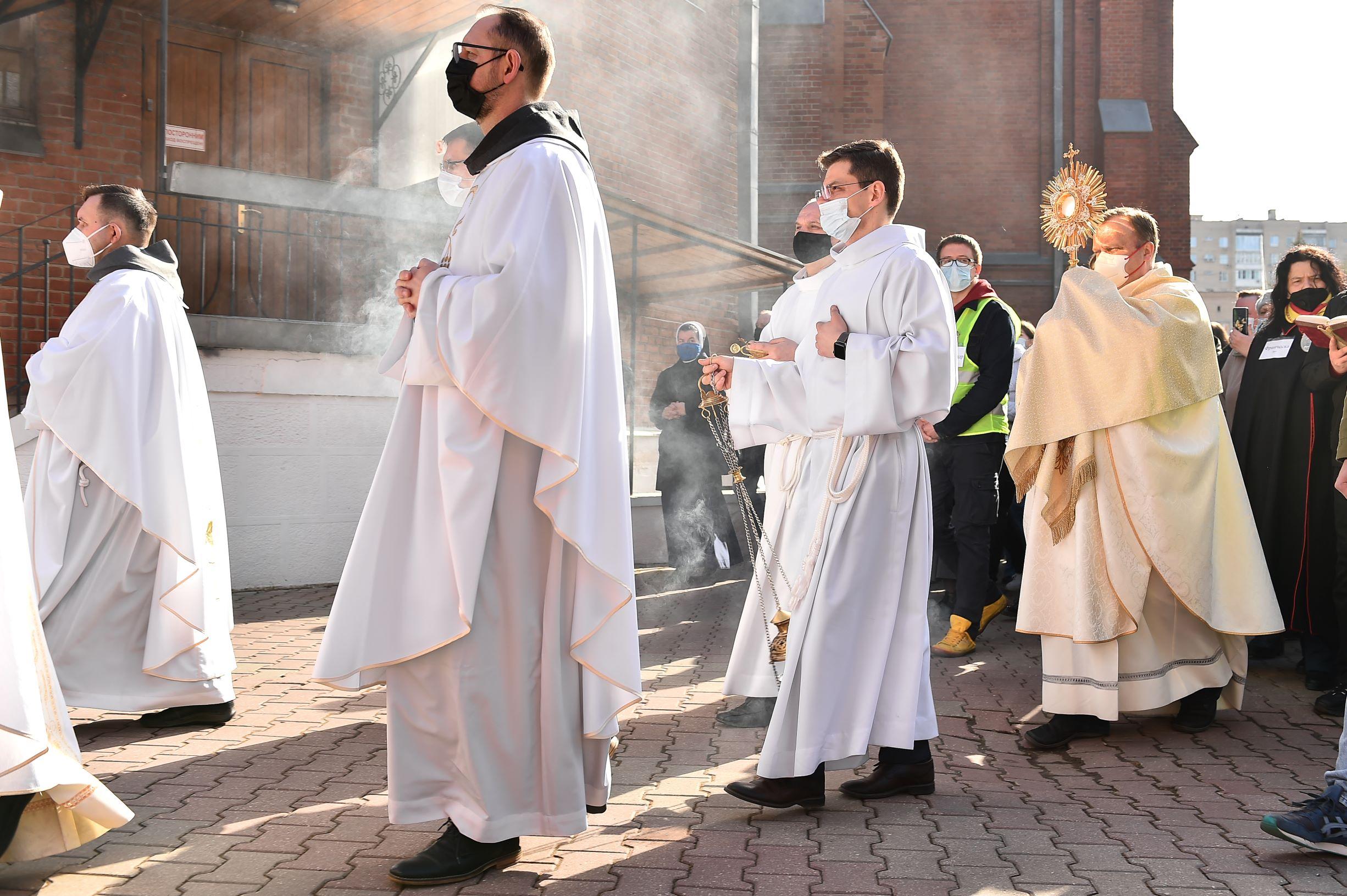 Католики Москвы встретили Пасху - Светлое Христово Воскресение