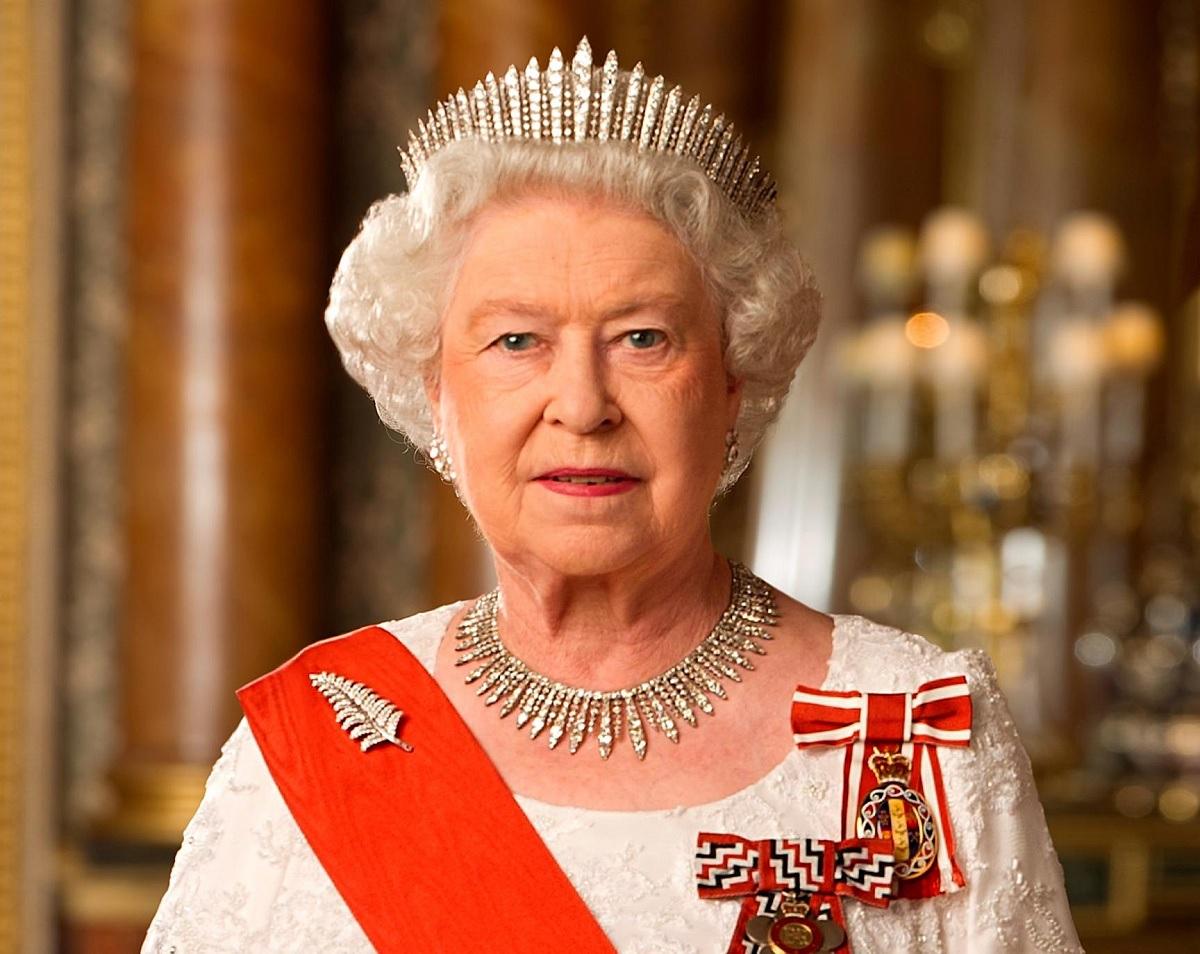 Патриарх Кирилл поздравил Королеву Великобритании Елизавету II