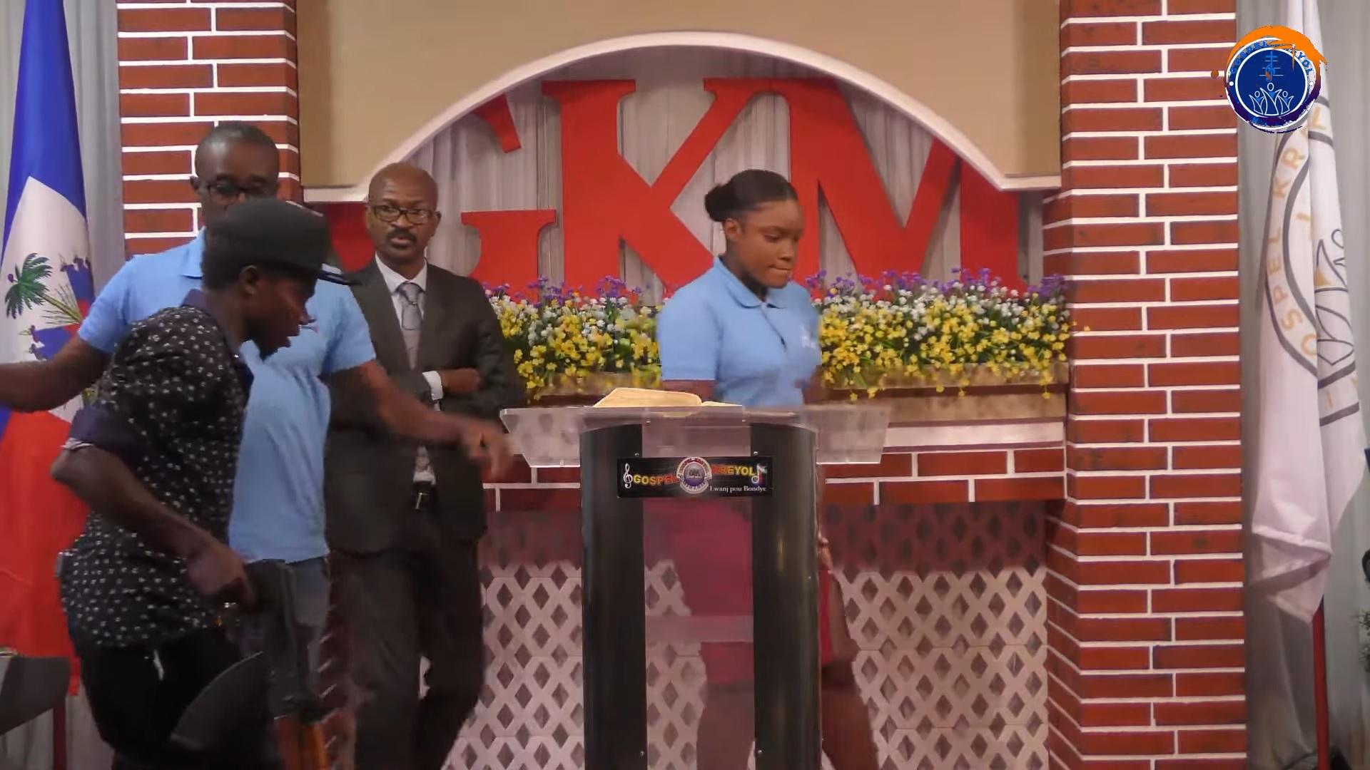 Боевики похитили пастора на Гаити во время прямой трансляции