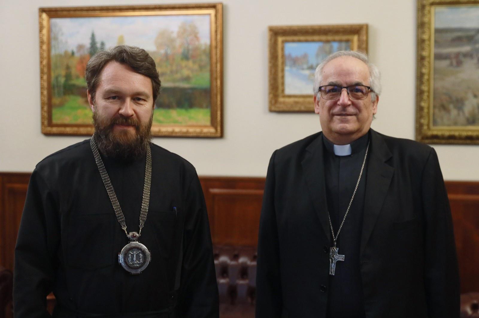 Митрополит Иларион встретился с Апостольским нунцием в России