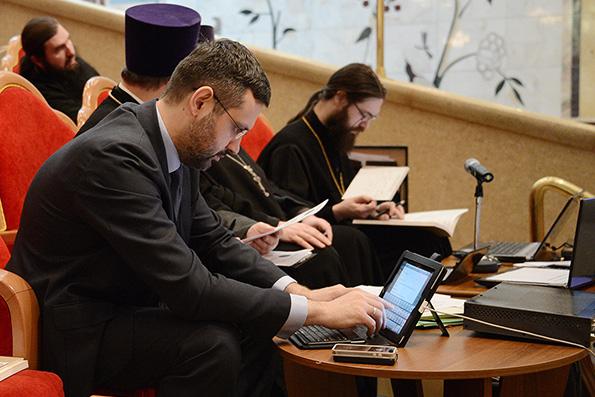 Легойда: верующие обеспокоены быстрой цифровизацией