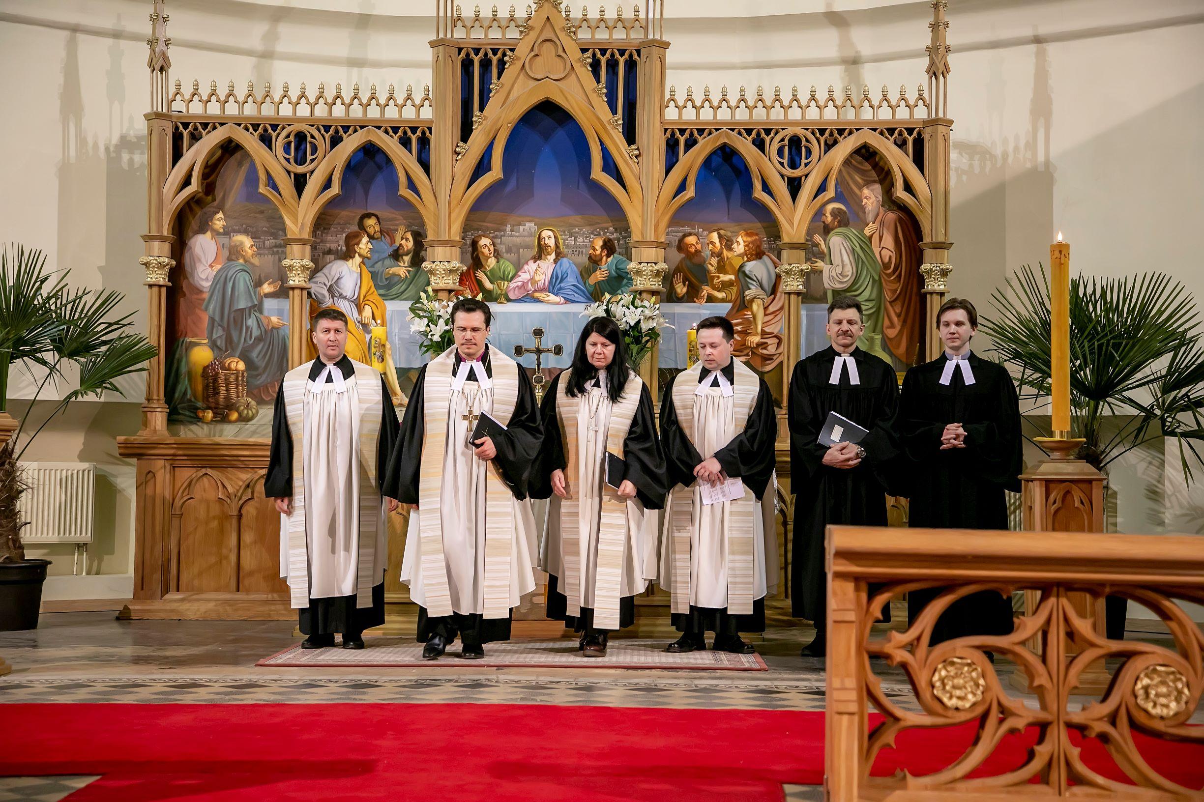 Богослужение Великой Субботы - Навечерия Пасхи в Соборе ЕЛЦ