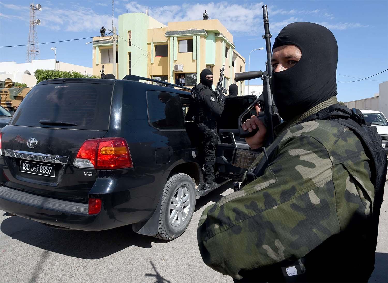 Женщина убила себя и своего ребенка во время теракта в Тунисе