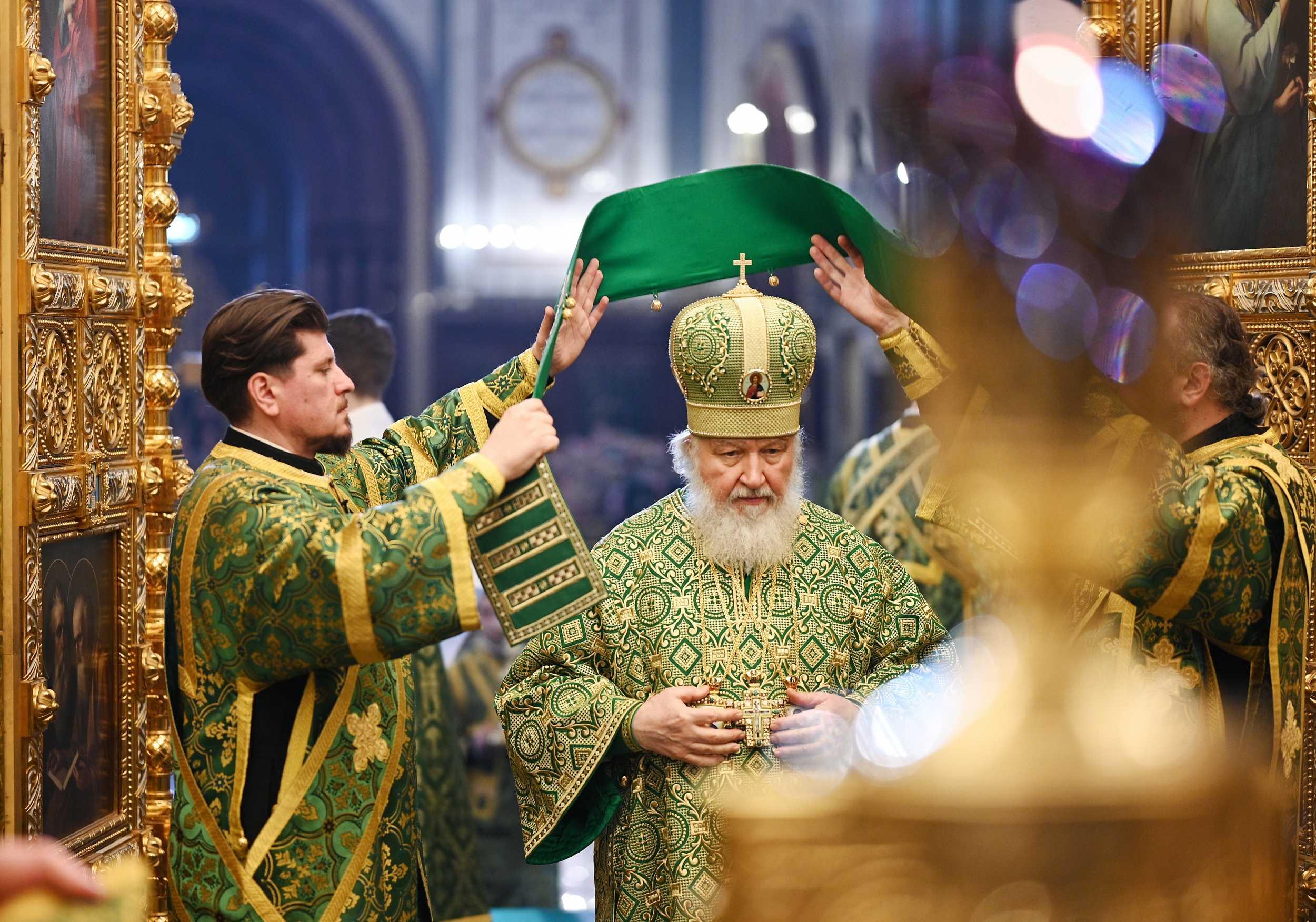 Патриарх: Церковь соединяет людей поверх политических границ