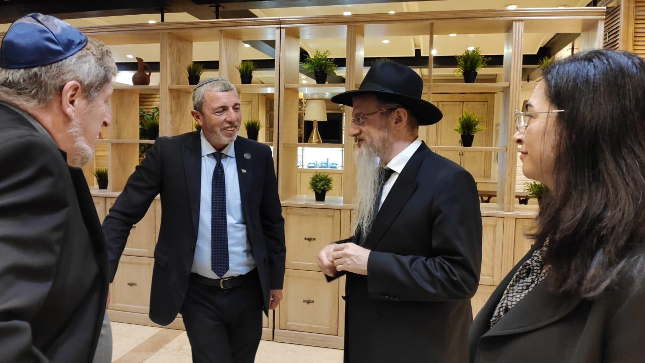 Раввин Лазар показал израильтянам еврейскую жизнь в России
