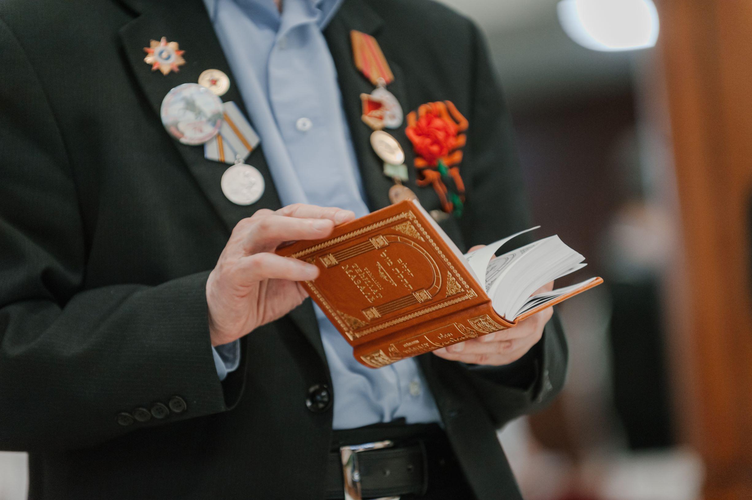 Главный раввин России Лазар поздравил ветеранов с Днем Победы