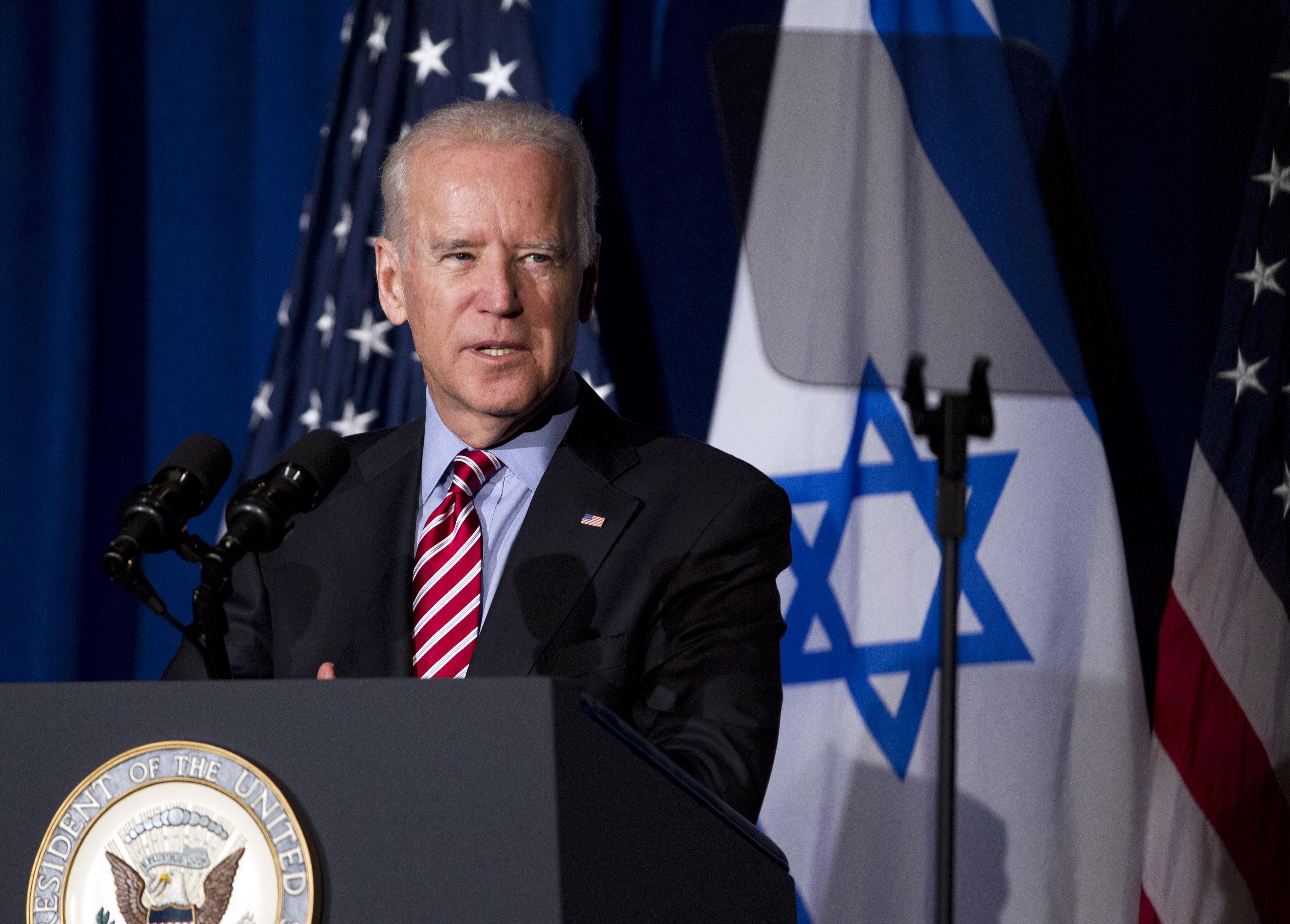 Байден осуждает нападения на евреев на фоне жалоб общины