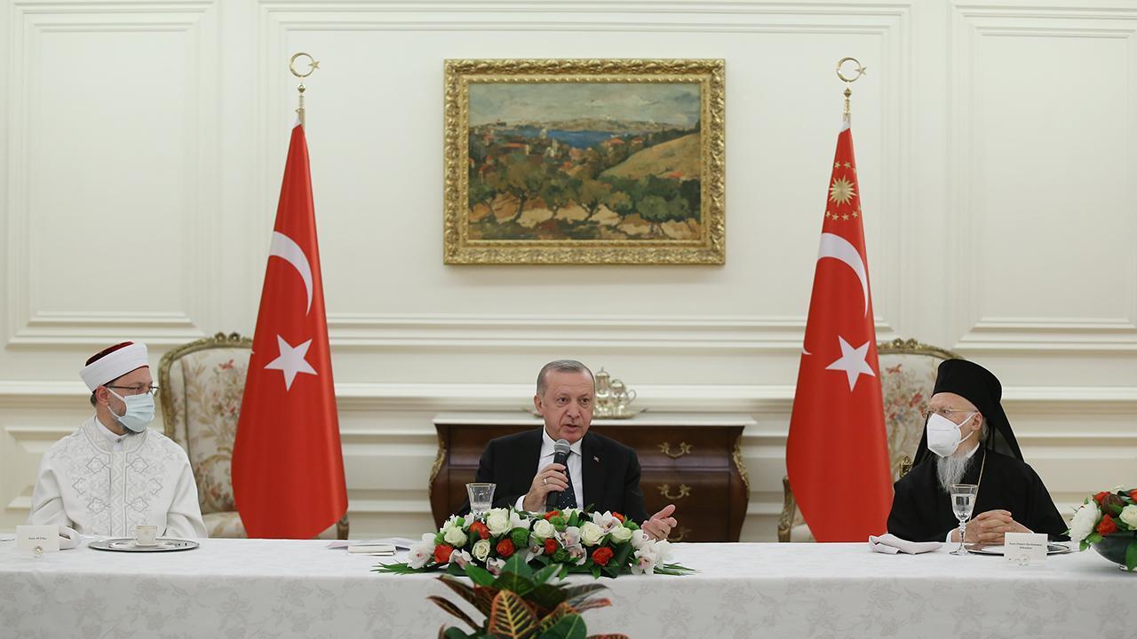 Президент Турции Эрдоган провел ифтар с лидерами меньшинств