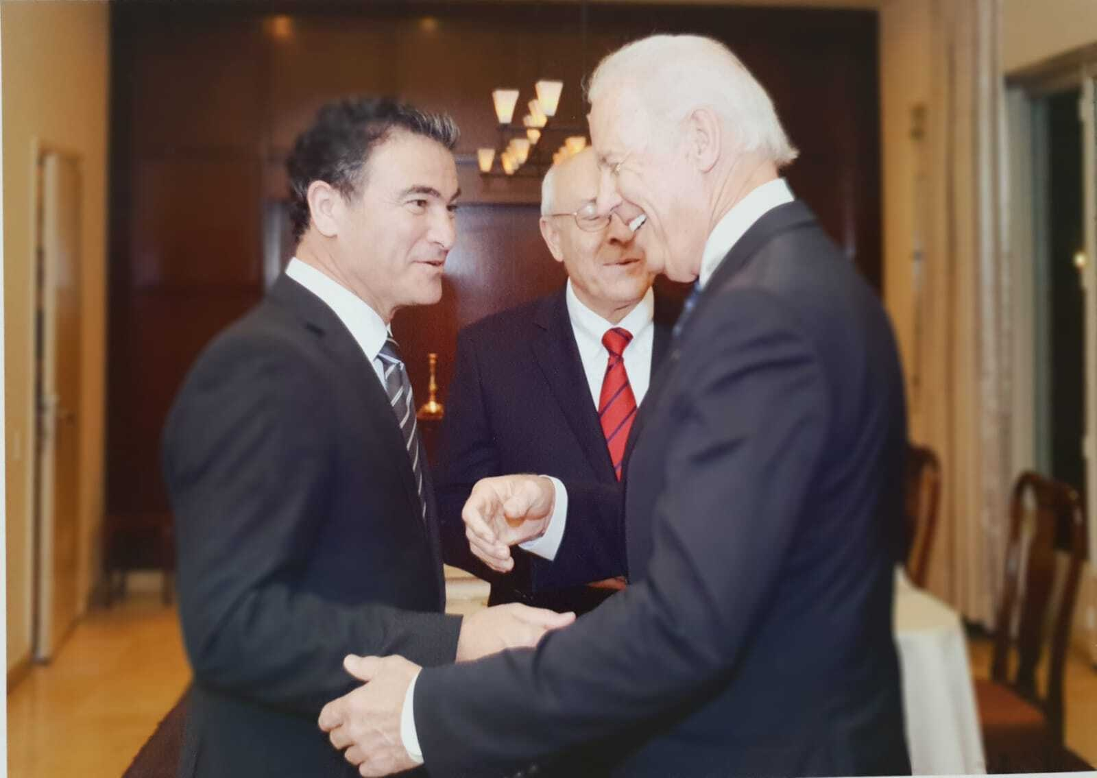 СМИ: Байден обсудил с главой Моссада ядерную угрозу Ирана