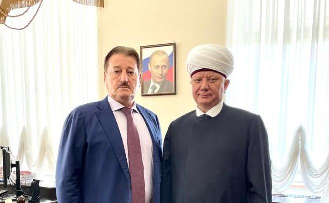 Муфтий Крганов встретился с замминистра юстиции Али Алхановым