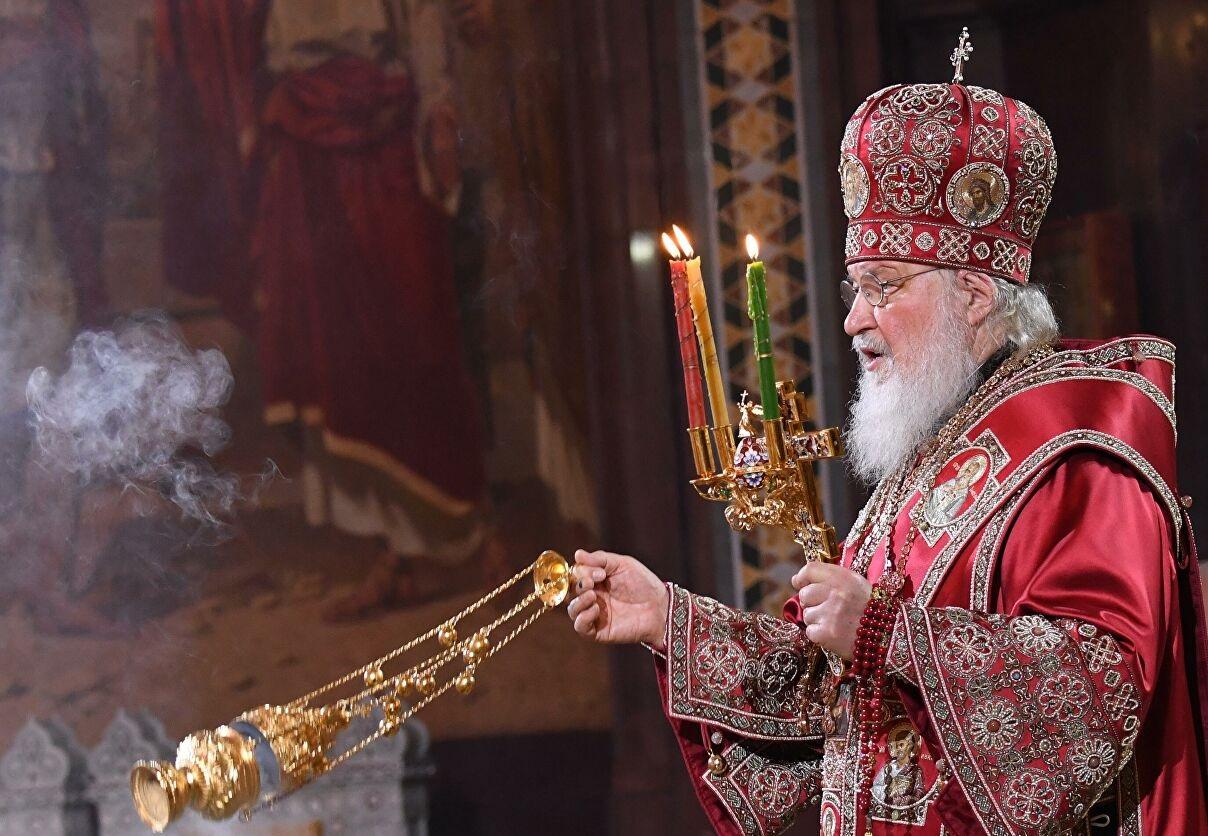 В Храме Христа Спасителя Патриарх и верующие встретили Пасху