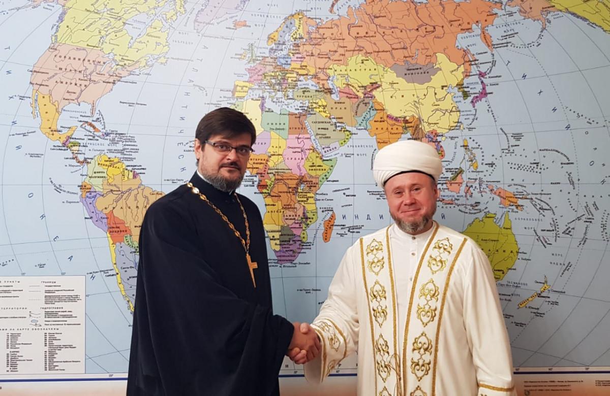 Советник муфтия РТ встретился с главой ДСМР и секретарем ОВЦС