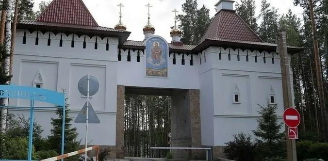 Суд признал собственность епархии на Среднеуральский монастырь