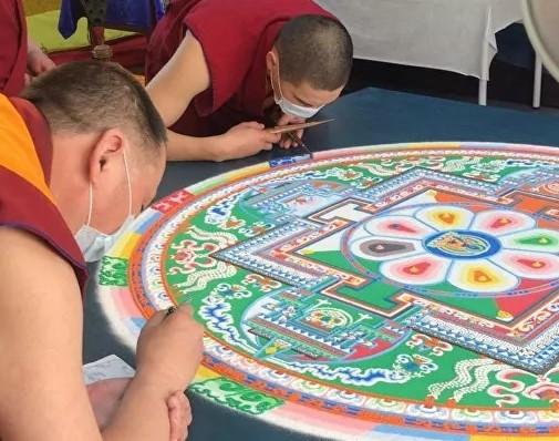 Буддисты провели в Москве уникальный обряд от коронавируса
