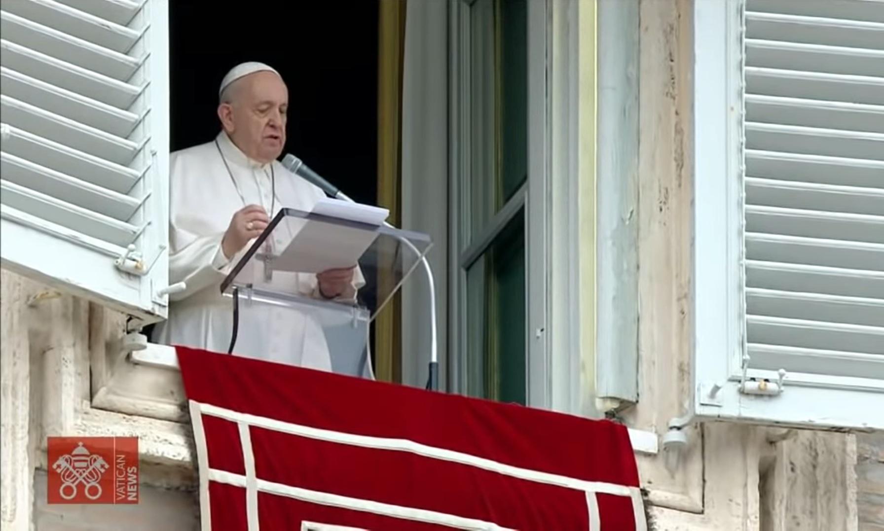 Папа Римский в шоке от открытия останков 215 детей в школе