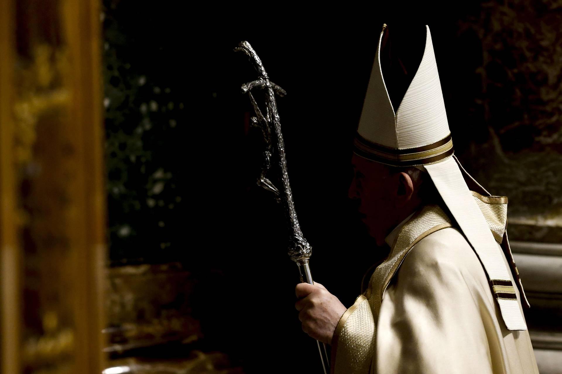 """""""Бедная церковь для бедных людей"""": реформы Папы Римского"""