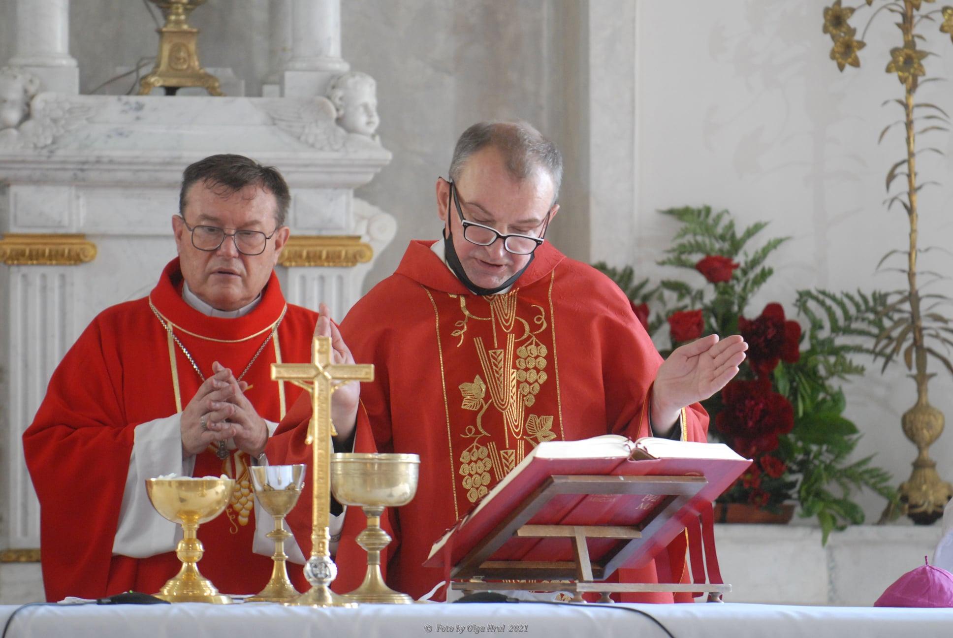Архиепископ: смена настоятеля прихода свв. Петра и Павла в Москве