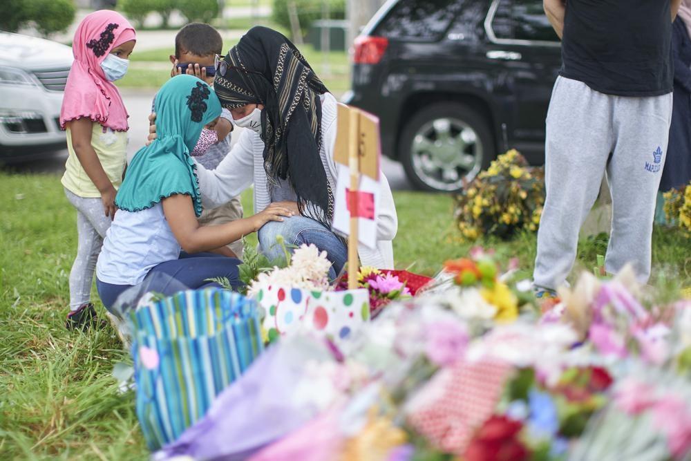 Премьер Канады Трюдо осуждает убийство мусульманской семьи