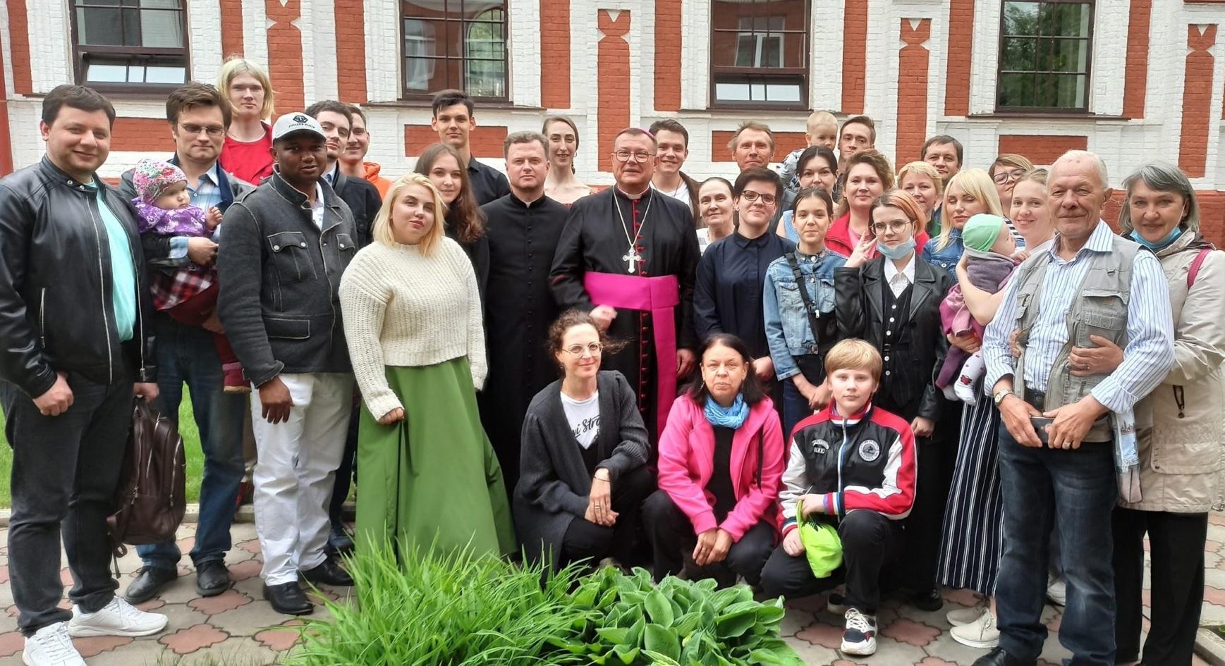Архиепископ Пецци назвал будущего настоятеля Собора в Москве