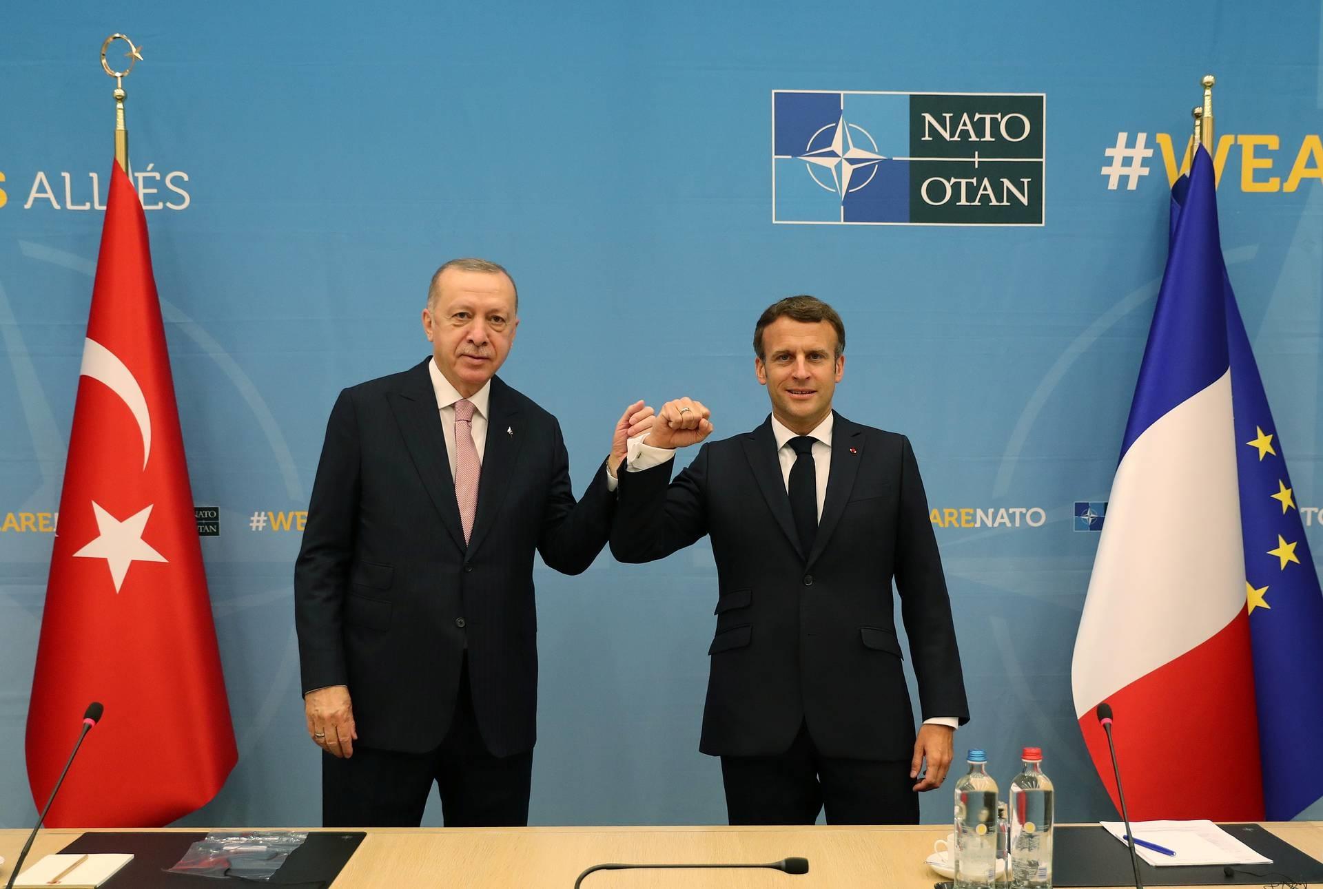 Париж и Анкара заключают перемирие? Попытки наладить отношения