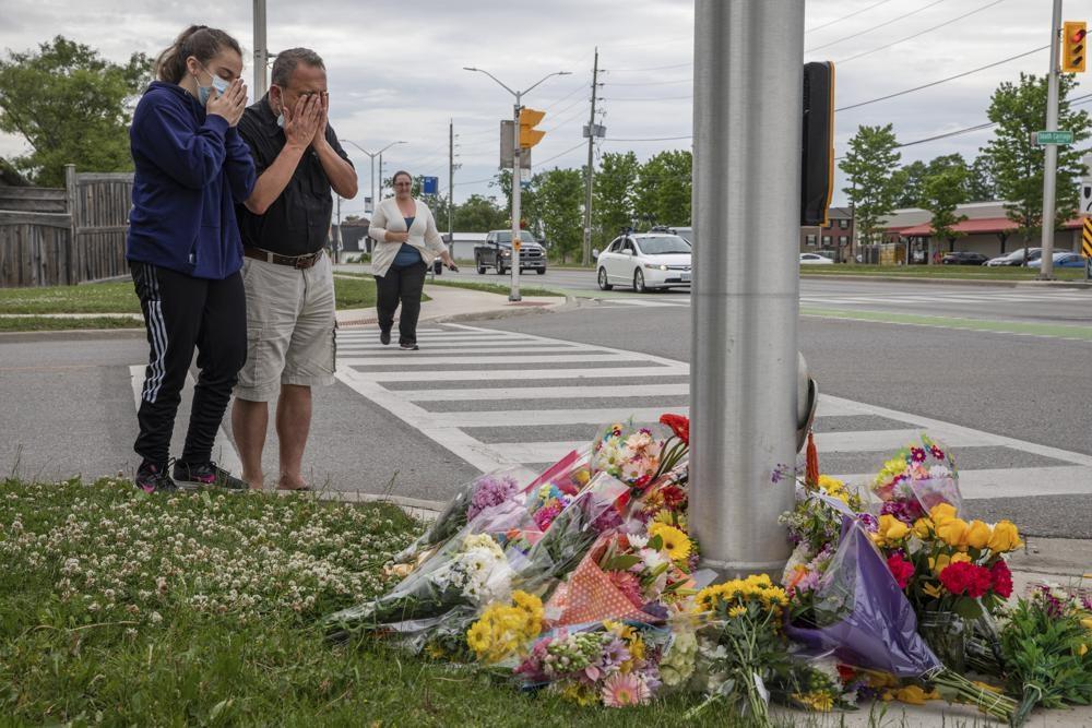 Лидер Пакистана осуждает теракт против мусульман в Канаде