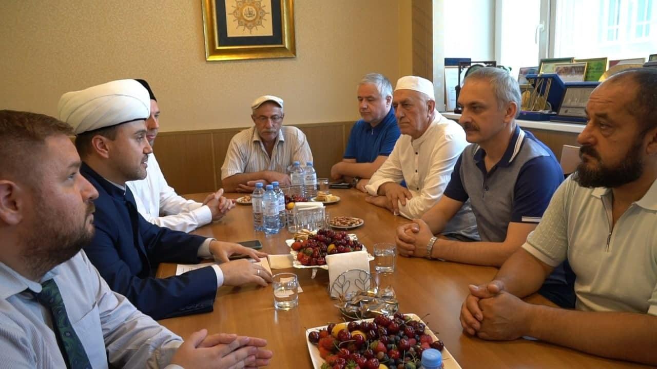 Делегация властей Дагестана посетила Московскую Соборную мечеть
