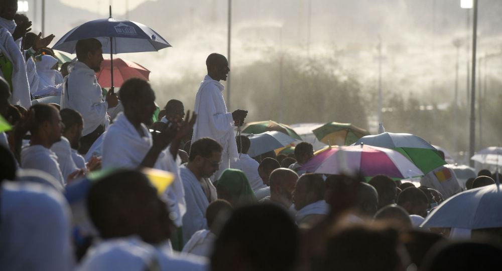 У мусульман наступает День Арафа, когда Аллах принимает мольбы