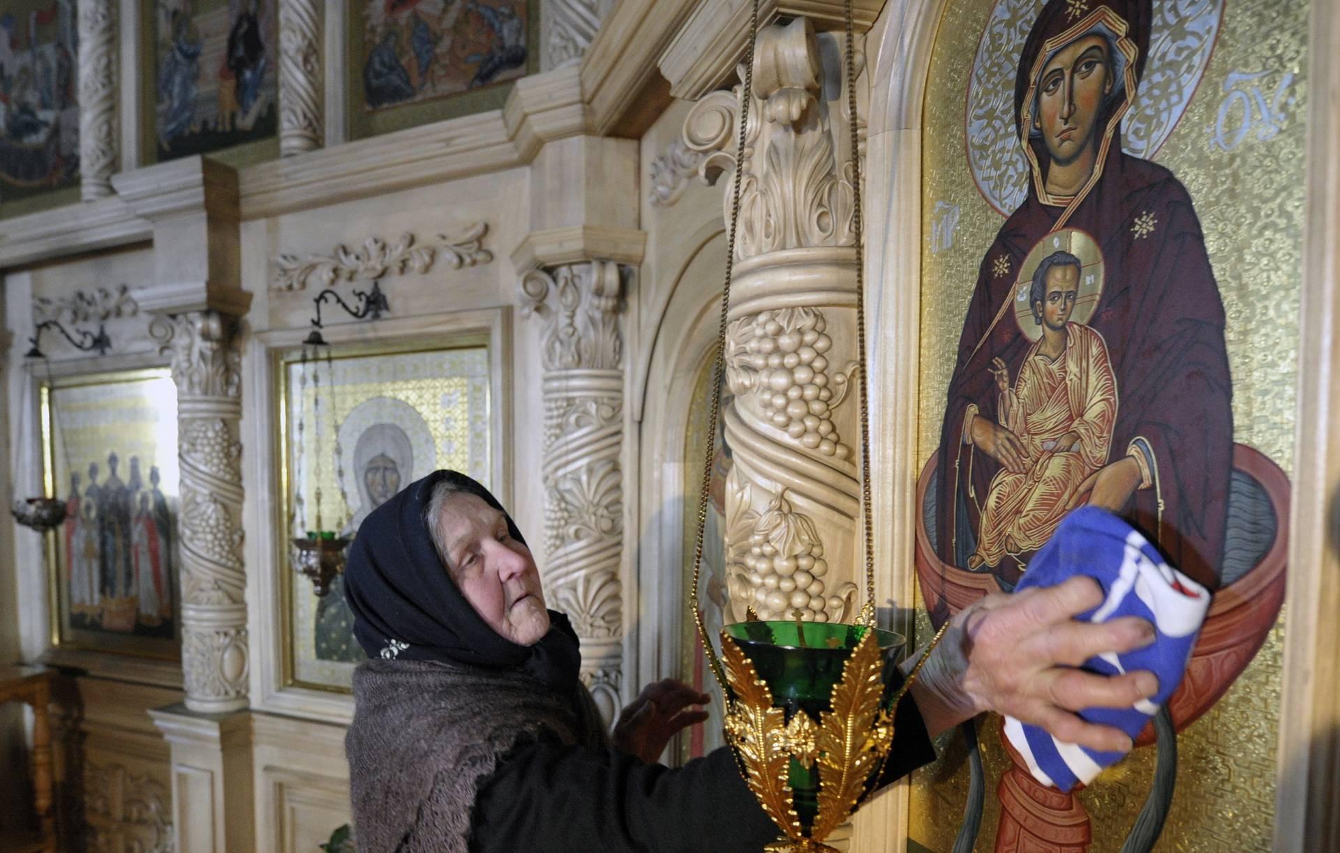 Патриарх Кирилл велел усилить профилактику коронавируса