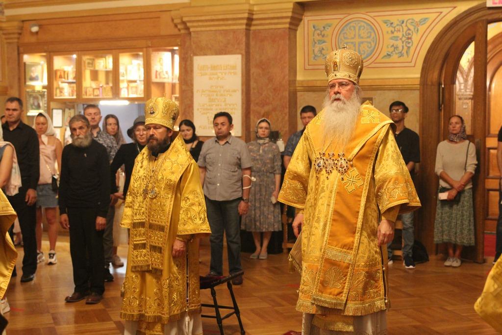 Митрополит Иларион сослужил Митрополиту Тихону в Нью-Йорке