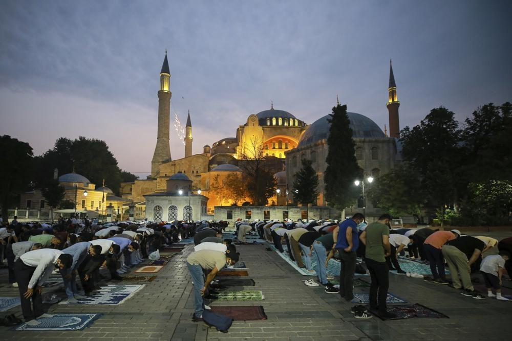 Мусульмане мира встретили Курбан-байрам в тени пандемии