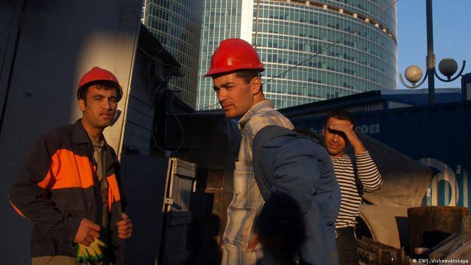 Глава СПЧ: в РФ более 2 млн мигрантов работают без контрактов
