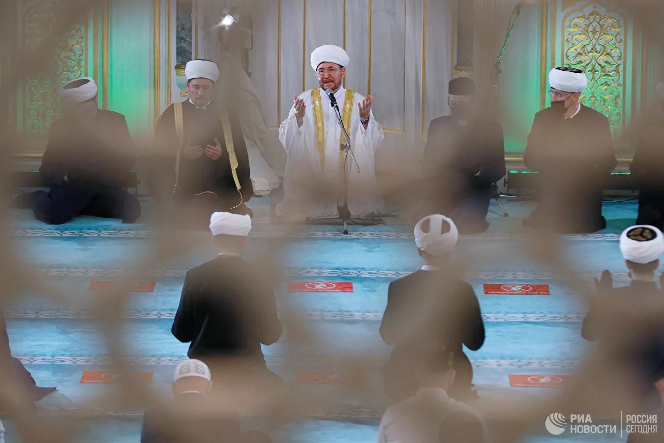 На Курбан-байрам в Московской Cоборной мечети без прихожан
