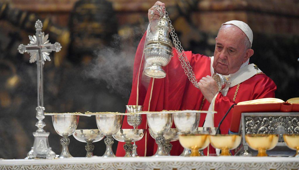 Папа изменил порядок использования Римского миссала 1962 года