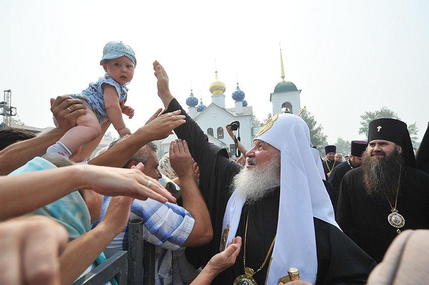 Патриарх - за запрет суррогатного материнства для иностранцев