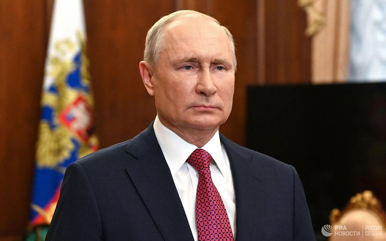 """Путин подписал закон """"о церковном имуществе"""" и пользовании им"""