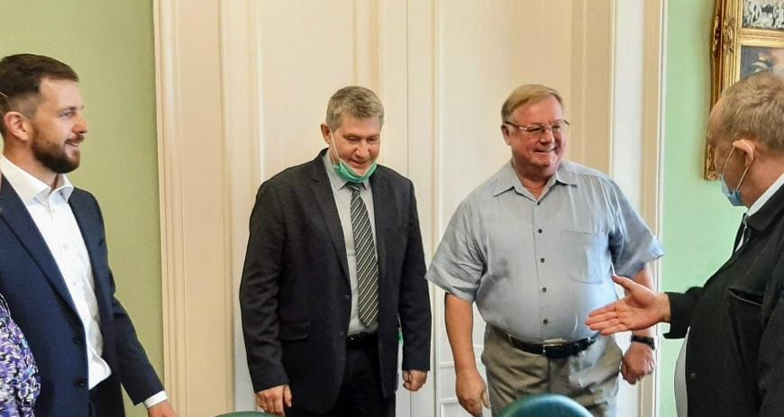 Глава ИППО Степашин провел встречу с сотрудниками МИД России