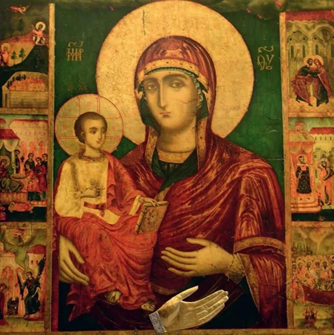 """Православные отмечают день иконы Богоматери """"Троеручица"""""""