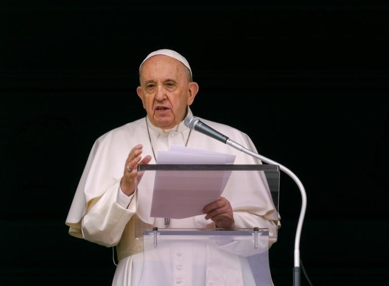 Папа встретится с коренным народом Канады, требующим извинений