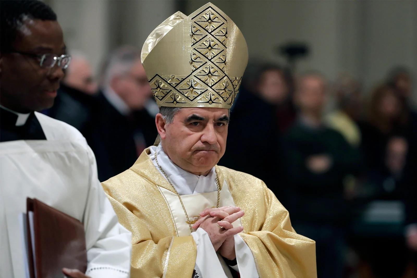 Ватикан предъявил обвинение кардиналу и еще девяти другим лицам
