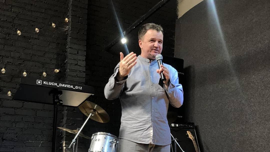 В Омске пастора-евангелика подозревают в психологическом насилии